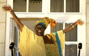 Wangari Maathai:  waves from the balcony of her hotel in Oslo