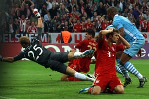 Champions League Tuesday: Bayern Munich's Mario Gomez scores the opening goal against Manchester City