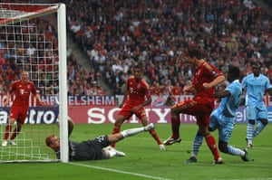 Champions League Tuesday: Mario Gomes scores his and Bayern's second against Manchester City