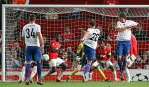 Champions League Tuesday: Fabian Frei gets Basel back into the game against Manchester United