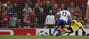 Champions League Tuesday: Basel's Alexander Frei score a penalty against Manchester United