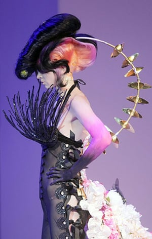 Alternative Hair Show: A creation by Carlo Bay Academy of Hungary