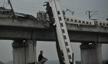 Some journalists believe official anger at reporting of the Wenzhou train crash is behind the move