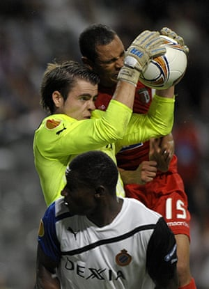 Europa League: Bruge goalkeeper Colin Coosemans catches the ball ahead of Braga's Baiano