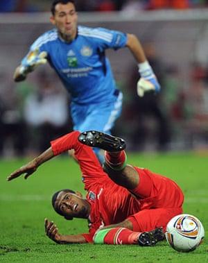Europa League: Lokomotiv's Maicon misses a chance to score against Anderlecht