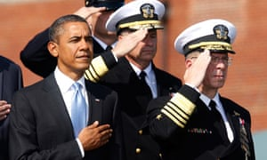 Barack Obama and Mike Mullen at Fort Myer, Virginia
