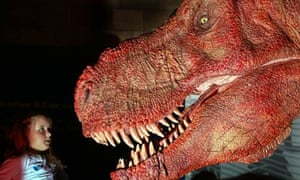 Animatronic Tyrannosaurus rex (T-rex) at London't Natural History Museum