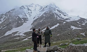 Afghans at Salang Pass