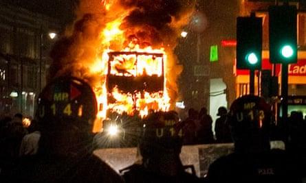 Bus burns during the Tottenham riots