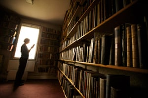 Working Class library: Project Librarian Jane Taylor in the Paine Room