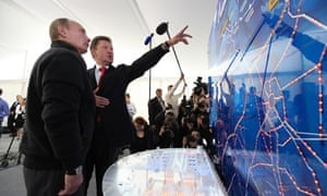 Vladimir Putin and Alexey Miller at the launch of the Nord Stream pipeline