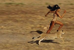 Harper's Bazaar: Naomi Campbell with cheetah