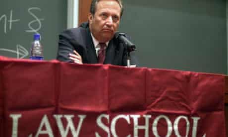 Harvard President Lawrence Summers speaks to law school