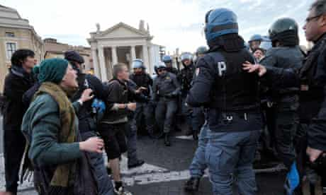 Occupy protesters and police clash in St Peter's Square