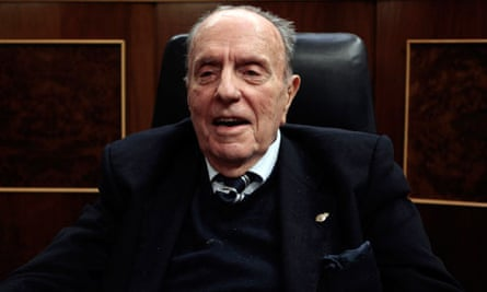 Manuel Fraga, pictured at a ceremony in the Spanish parliament last year, has died