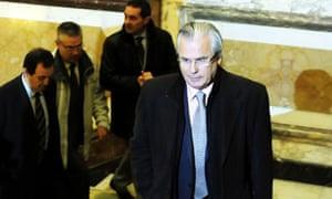 Baltasar Garzón arrives in court