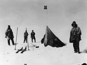 south pole expeditions: Captain Scott reaches the South Pole 17 January 1912