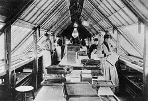 Kodak: 1890s: Kodak employees on the roof of the State Street factory