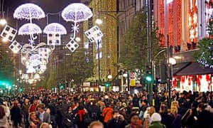 Oxford Street Weihnachtsbeleuchtung.Charities Should Be Pro Active About Fundraising All Year Long