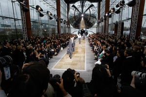 Loius Vuitton menswear: Models on the catwalk