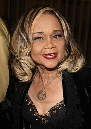 Etta James Obituary: November 2008: Etta James arrives on the red carpet