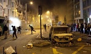 Rioters in Croydon, London