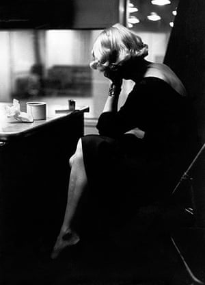 Eve Arnold dies: 1952 Marlene Dietrich at the recording studios of Columbia Records