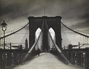 New York photography: Untitled (Brooklyn Bridge), 1938 by Alexander Alland