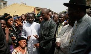 Goodluck Jonathan at scene of Boko Haram bomb 31/12/11