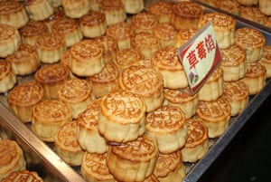 shanghai street food: mooncakes