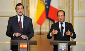 French President Francois Hollande (R) and Spanish Prime Minister Mariano Rajoy speak during a news conference at the Elysee Palace on October 10, 2012 in Paris, France.