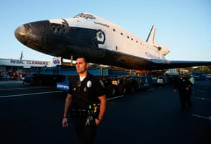 Space Shuttle: The Space Shuttle Endeavour is moved to the California Science Centre