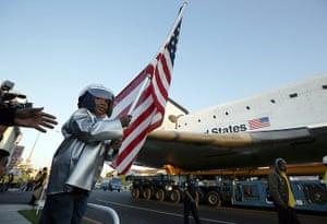 Space Shuttle: Amir Morris, 3, watches the Space Shuttle