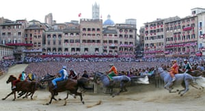 Bond locations: Il Palio race in Siena