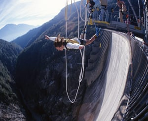 Bond locations: Bungee jumping dam wall Verzasca dam, Switzerland