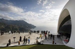 Oscar Niemeyer: A view of Ravello's Auditorium Oscar Nie