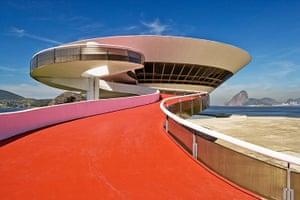 Oscar Niemeyer: Museu de Arte Contemporanea de Niteroi, Rio de Janeiro