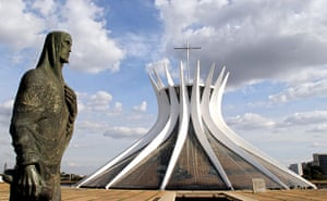 Oscar Niemeyer: Brasilia's Cathedral photographed in 2005