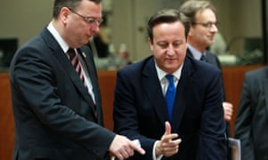 British Prime Minister David Cameron (R) talks with Czech Prime Minister Petr Necas (L) at the start of the second day of a European Council Summit in Brussels, Belgium, 19 October 2012.