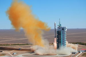 A month in space: A Chinese rocket takes off with the Vene