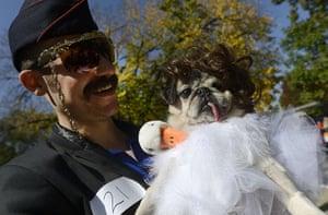dog-parade: John Vario and his dog dressed as Mama B