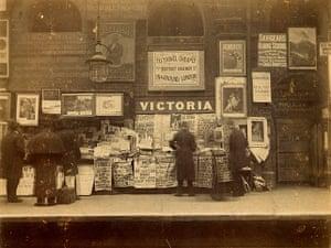 Underground book: Platform view at Victoria Underground station