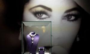 Elizabeth Taylor's jewellery on display