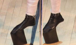 Lady Gaga defies gravity with platform shoes without heels