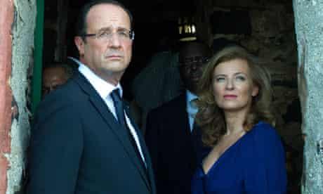 France's President Francois Hollande (L)
