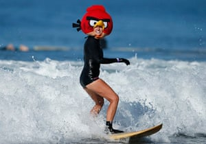 Halloween surf contest in santa monica in pictures for Dog daycare santa monica
