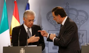 Spanish Prime Minister Mariano Rajoy (R) and Italian Prime Minister Mario Monti speak before a joint news conference at Moncloa palace in Madrid October 29, 2012.