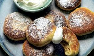 Pan-fried stuffed doughnuts