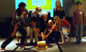 frank cottrell boyce and young critics cut cake