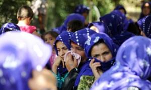 Turkish women mourn in Akcakale